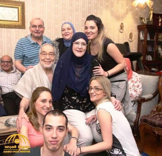 """شاهد : أحدث ظهور للفنانة  """"شمس البارودي""""  بجانب زوجها وأفراد من أسرتها!"""