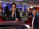 """شاهد .. مذيع بشبكة الـ """"بي بي سي"""" يتعرض لموقف محرج على الهواء !"""