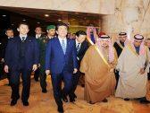 """بالصور .. وصول رئيس وزراء اليابان لـ""""الرياض"""""""