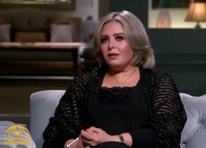 """بالفيديو: الفنانة المصرية صابرين  ترد على منتقديها بعد خلع الحجاب .."""" ليكم فني وبس """" !"""