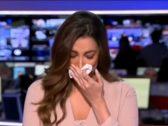 شاهد : انهيار مذيعة قناة الحدث على الهواء بعد إعلانها خبر وفاة نجوى قاسم
