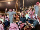 """شاهد … فيديو متداول لسعوديين يؤدون عرضة السامري على أبيات من قصة """" عبدالله بن رشيد"""" في حائل"""