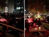 شاهد: مضاربة جماعية عنيفة بين شباب وفتيات أثناء الاحتفال برأس السنة في البحرين