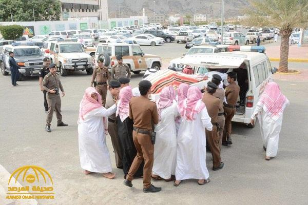 بالصور .. تشييع جثمان رجل الأمن الذي قتل طعناً أثناء ضبط مطلوب أمني في محايل عسير