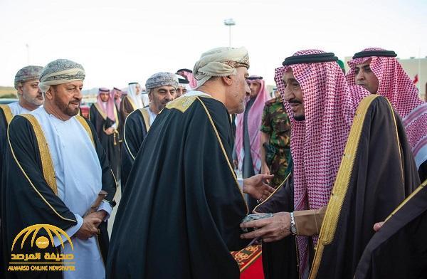 بالصور .. خادم الحرمين يغادر عمان بعد تقديم العزاء في وفاة السلطان قابوس