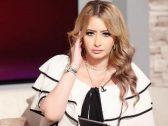 مي العيدان تفتح النار على ممثلة شهيرة بعد ظهورها على السجادة الحمراء في دبي بصدر مكشوف