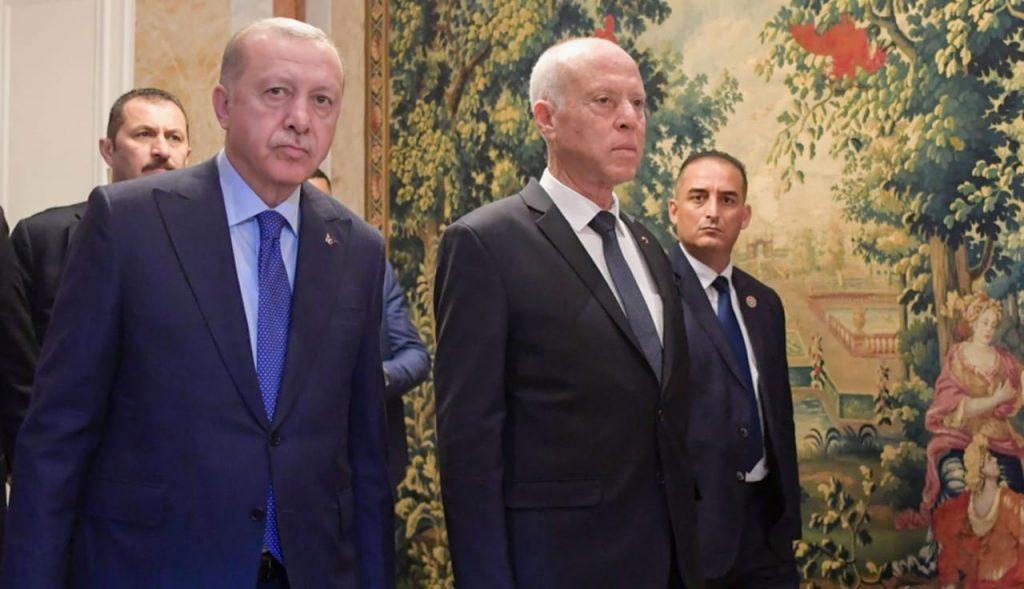 الكشف عن سر «الدخان» بين الرئيس التونسي وأردوغان
