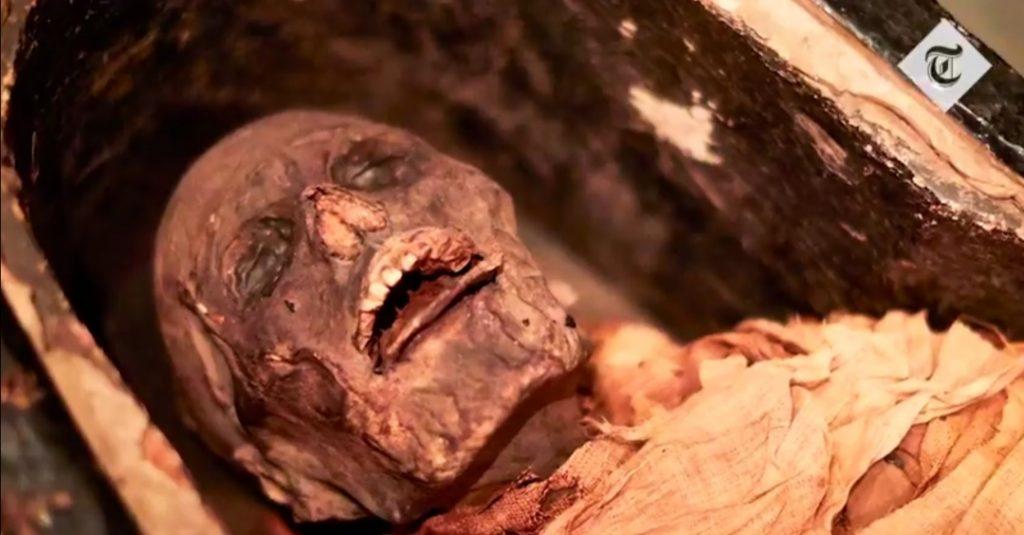شاهد: مومياء مصرية تتكلم بعد 3 آلاف عام على تحنيطها.. والباحثون يكشفون اسمه وتاريخ وفاته!