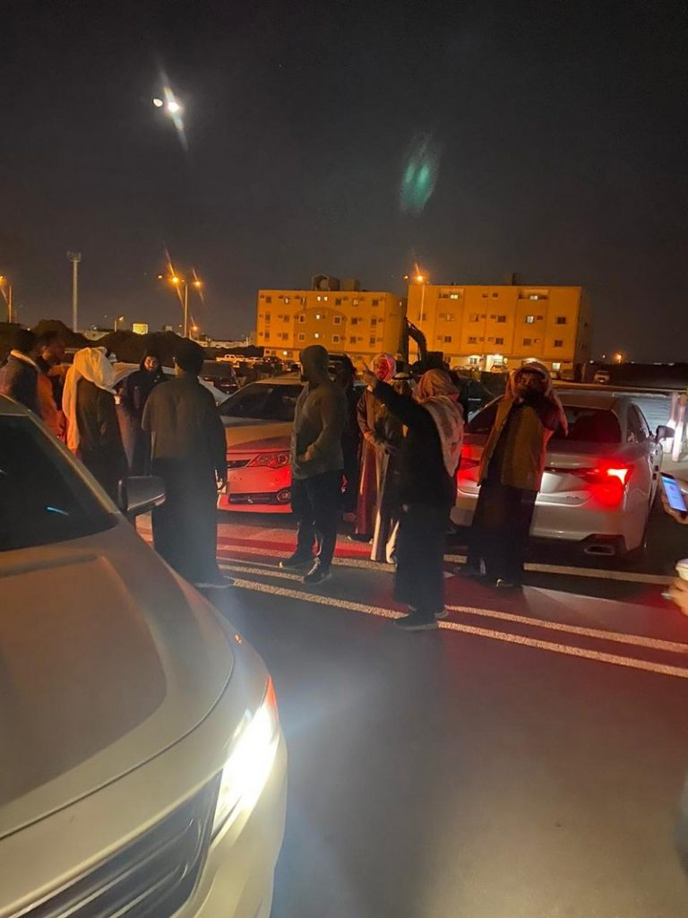 """اختفاء غامض لـ """"فتاة"""" بعد خروجها من مدرستها في الرياض .. وشقيقها يكشف تفاصيل اللحظات الأخيرة ومواصفاتها !"""