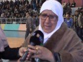 سفير المملكة في الجزائر يفاجئ سيدة ظهرت تبكي في مقابلة تلفزيونية لهذا السبب !- فيديو