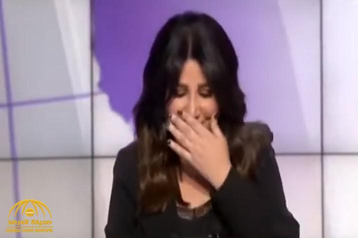"""شاهد: مذيعة قناة العربية """"منتهى الرمحي"""" تفاجئ المشاهدين بوصلة ضحك على الهواء وتثير الاستغراب !"""
