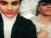 """شاهد … شابان جزائريان يعلنان زواجهما  ويوثقان زفافهما بمقطع فيديو على """"فيس بوك"""" !"""