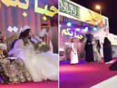 شاهد .. عروس تتجول بفستان أبيض في مهرجان أبو عريش والنساء يرقصن على فلكلور شعبي