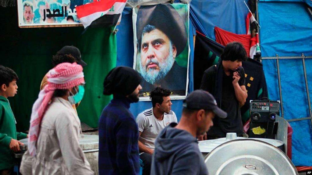 كيف  أغرت إيران الصدر للتخلي عن الانتفاضة الشعبية وحماية نفوذها في العراق ؟