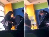 شاهد .. طالبة تعنف زميلتها وتشدها من شعرها داخل مدرسة .. والفنانة  أحلام  تتدخل!