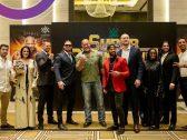 """بالصور .. أبطال المصارعة في أول ظهور بعد وصولهم لـ""""الرياض"""" .. وصراع نسائي مرتقب على اللقب"""