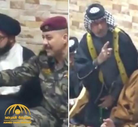 """شاهد.. ضابط عراقي يتقمص شخصية """"صدام"""" ويشتم شيوخ العشائر ويصفهم بالصعاليك"""