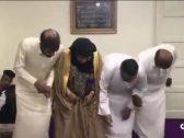 شاهد .. فيديو لسعوديين يؤدون رقصة فولكلورية مع والدتهم المسنة يشعل مواقع التواصل