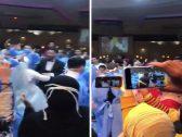 """""""زواج في عصر كورونا"""".. شاهد: مصريون يرقصون بـ""""الكمامات وملابس العمليات"""" في حفل زفاف وجدل على """"السوشيال ميديا"""""""