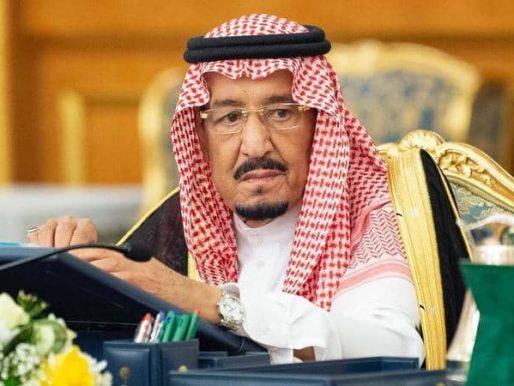 بالفيديو … الملك سلمان يروي في تسجيل نادر قصة حجزه بأمر من  والده في غرفة بقصر المربع في الرياض !