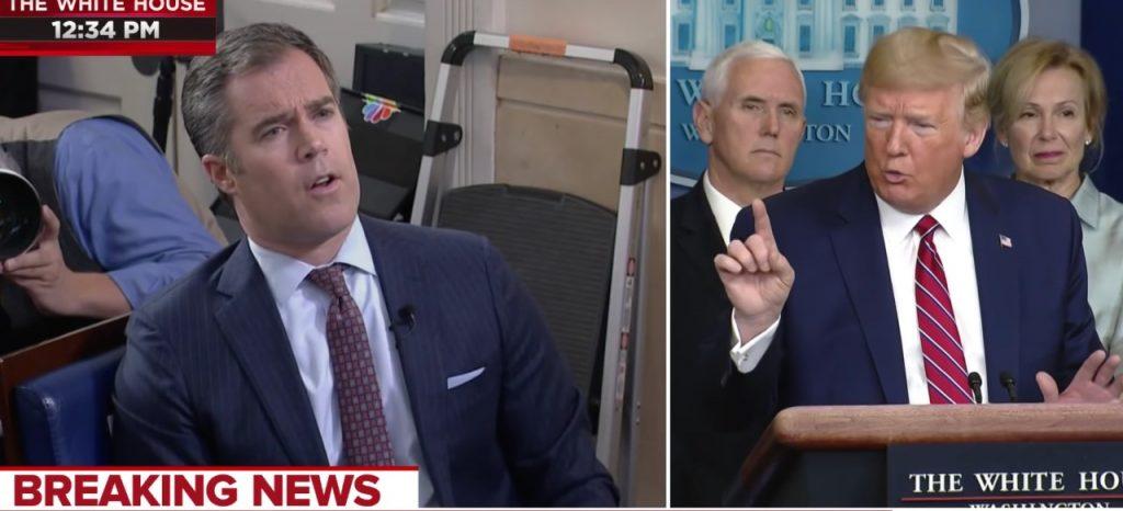 """بالفيديو.. ترامب """"يهين"""" صحفيا بسبب كورونا !"""