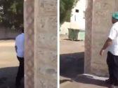 أول تعليق من بلدية محايل عسير بشأن فيديو متداول لعامل يبصق في الطعام !