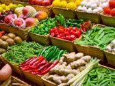 """"""" أغلق محله واعتذر لزبائنه """"… لافتة مواطن تفضح ممارسات تجار الخضروات والفواكه  و التجارة تتفاعل !"""
