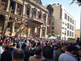 """شاهد.. مصريون يتدافعون لاستخراج شهادة خلو من """"كورونا"""" من أجل العودة إلى السعودية"""