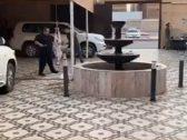 القبض على مواطن  أحضر حلّاقا وجزاراً لمقر إقامته بالرياض ووثقه بمقطع فيديو