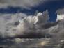 """""""سحب رعدية ورياح نشطة"""".. الأرصاد تكشف تفاصيل الطقس خلال الساعات القادمة !"""