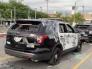 شاهد .. ماذا فعل المتظاهرون بسيارات الشرطة الأمريكية في لوس أنجلوس  .. أحداث صادمة !