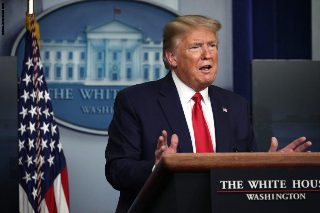 """""""كان يعد مفاجأة خطيرة"""".. ترامب يكشف عن """"سيناريو سيء"""" تم تجهيزه للمتظاهرين حال تسللهم للبيت الأبيض"""