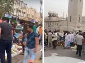 رغم تحذيرات كورونا …شاهد : تجمع كبير للعمالة في ساحة تحولت إلى سوق شعبية  في الرياض !
