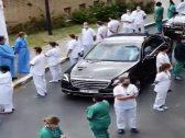 شاهد : استقبال مهين لرئيسة وزراء بلجيكا من قبل الأطباء والممرضين بسبب كورونا