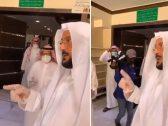 """شاهد .. ردة فعل """"وزير الشؤون الإسلامية"""" بعدما تفاجأ بتغيب إمام مسجد وقت الصلاة"""