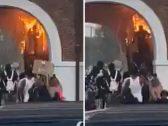 """شاهد.. محتج أمريكي يشعل النار في نفسه بالخطأ أثناء محاولة حرق سوق بـ """"نورث كارولينا"""""""