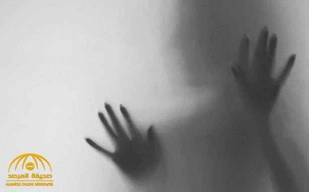 """""""ما تركت باب إلا وطرقته"""".. والد فتاة عسير المحبوسة منذ 9 سنوات يروي معاناة ابنته .. وتهديدها بقتل من حولها-فيديو"""