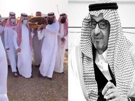 شاهد بالفيديو .. مراسم دفن الأمير سعود بن عبدالله الفيصل
