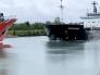شاهد حادث غريب : تصادم بين سفينتين شحن وجها لوجه