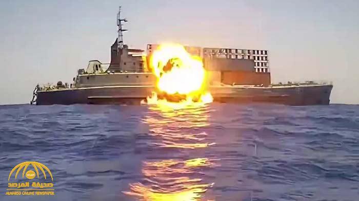 """""""أصابها بدقة بالغة"""".. شاهد: صاروخ """"هاربون"""" مصري يغرق سفينة من ضربة واحدة"""