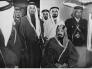 شاهد.. صورة نادرة للملك عبدالعزيز في أول رحلة تجريبية للقطار.. والكشف عن تاريخ التقاطها