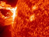 """بحجم كوكب المريخ .. بالصور : """"ناسا"""" تحذر من بقعة شمسية ضخمة تتجه نحو الأرض"""