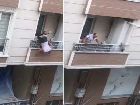 """شاهد: رجل """"عصبي"""" يتشاجر مع أشخاص ويسقط بشكل مفاجئ من """"بلكونة منزله"""" في تركيا"""