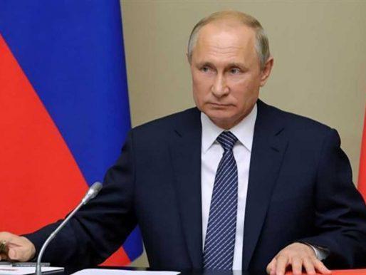 """الرئيس """"بوتين """" يعلن رسميا انتاج  أول لقاح ضد فيروس كورونا في العالم .. ويعلق : ابنتي طعمت منه  -فيديو"""