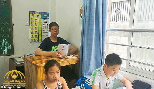شاهد.. أطول مراهق صيني في العالم يدخل موسوعة جينيس • صحيفة المرصد